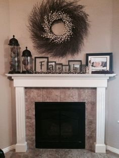 Home decor for the fireplace! design design and decoration Fireplace Surrounds, Fireplace Design, Brick Fireplace, Decor For Fireplace Mantle, Mantelpiece Decor, Mantle Art, Fall Fireplace, Fireplace Modern, Home Living Room