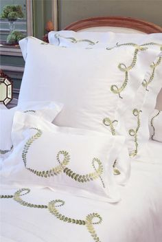 Porthault - Paris - Luxury home-linen - Creations - Bedroom Linen Duvet, Linens And Lace, Fine Linens, Sofa Pillows, Bed Covers, Ivoire, Bed Linens, Embroidery, Sheets Bedding