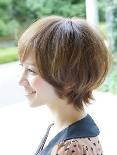 誰にでも似合う!小顔ショート Medium Short Hair, Girl Short Hair, Medium Hair Cuts, Long Hair Cuts, Medium Hair Styles, Short Hair Styles, Short Hairstyles For Women, Cool Hairstyles, Gyaru Hair