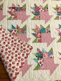 Beautiful Baskets Quilt Quilt Block Patterns, Pattern Blocks, Quilt Blocks, Antique Quilts, Vintage Quilts, Small Quilts, Mini Quilts, Flower Quilts, Basket Quilt