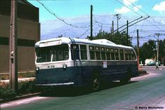 The Trolleybuses of Santiago Chile, Public Transport, Cars And Motorcycles, Transportation, Retro, Wallpapers Android, Classic Cars, Antique Photos, Bolivia