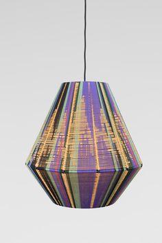 Home Lighting, Lighting Design, Macrame Wall Hanging Patterns, I Love Lamp, Creation Deco, Home Room Design, Diy Arts And Crafts, Lamp Shades, Diy Design