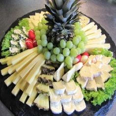 Serve picture result for cheese plate - Party - Wurst Party Platters, Party Trays, Party Buffet, Food Platters, Snacks Für Party, Cheese Platters, Comida Baby Shower, Appetizer Recipes, Appetizers