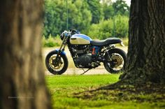 Triumph Thruxton Street Tracker by FCR Original #motorcycles #streettracker #motos | caferacerpasion.com