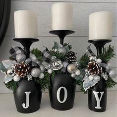 Liquor Bottle Crafts, Glass Bottle Crafts, Diy Christmas Gifts, Holiday Crafts, Christmas Decorations, Homemade Christmas, Diy Wine Glasses, Dollar Tree Crafts, Jar Crafts