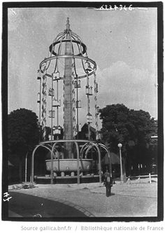 [Exposition internationale des arts et techniques, Paris 1937 : fontaine en fer forgé] : [photographie de presse] - 1