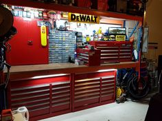 Convert Your Garage into a Man Cave - Man Cave Home Bar Garage Organization Tips, Garage Tool Storage, Garage Storage Solutions, Garage Shed, Barn Garage, Garage Tools, Man Cave Garage, Garage House, Garage Plans