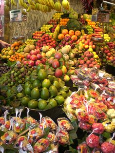 The Food Market in Barcelona is a feast for the eyes and tummy! Great for cheap eats when travelling and so fresh
