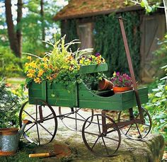 New! Amish Country Wagon Decorative Garden Decor