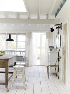 Shabby Chic White Cottage Interior Design Inspiration from a beautiful home in East Sussex by The Beach Studios (Atlanta Bartlett & Dave Coote). House Design, House Styles, White Cabin, Cottage Interiors, Home, Beach House Interior, Rent Cottage, Cottage Style, Home Decor