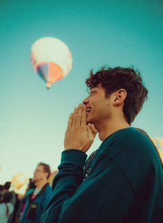 Noah Centineo played Peter Kavinsky in a Netflix adaptation of To All the Boys I've Loved Before, and Sierra Burgess Is a Loser and now is an obsession-worthy Internet Boyfriend. Beautiful Boys, Pretty Boys, Lara Jean, Celebrity Babies, Man Crush, Cute Guys, Celebrity Crush, Future Husband, Just In Case