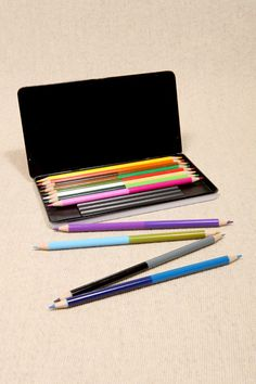 two-tone pencil crayons