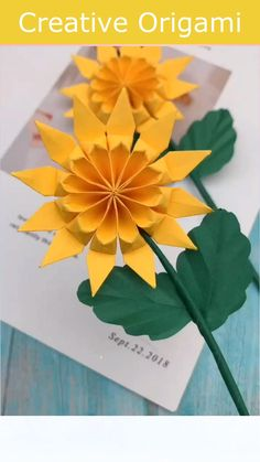 Paper Crafts Origami, Paper Crafts For Kids, Diy Arts And Crafts, Diy For Kids, Paper Flowers Diy, Flower Crafts, Origami Flowers, Diy Crafts Hacks, Diy Projects