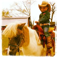 My sweet lil cowgirl <3