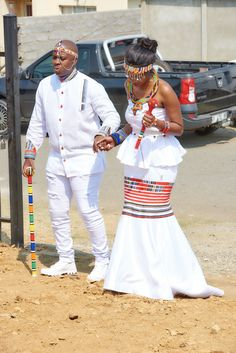Venda Traditional Attire, Traditional Wedding Attire, Couples African Outfits, African Wear Dresses, African Wedding Attire, African Attire, Xhosa Attire, South African Traditional Dresses, African Print Dress Designs