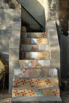 https://flic.kr/p/4Kjpkr | Oaxaca Stairway | It seems inviting - where does it lead?