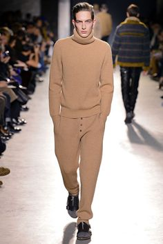 Dries Van Noten Fall 2013 Menswear Collection Slideshow on Style.com