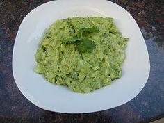 Gluten Free Guacamole Recipe Here http://whatsfordinner-momwhatsfordinner.blogspot.com/2011/03/holy-guacamole.html #glutenfree #gf