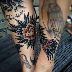 Znalezione obrazy dla zapytania field flowers oldschool tattoo