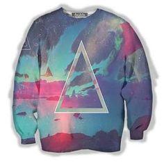 #Triangle Sweater . . . Que la trinidad te acompañe  . . .  Disponible en Bs. 57.440 . . . #asidesimple #teamsimple #trinidad #sweaters #color