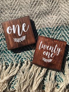 Wooden Table Numbers (Set of Wedding Decor, Table Numbers, Wedding Table Numbers, Table Decor, R Wedding Ceremony Signs, Wedding Reception Decorations, Table Decorations, Wedding Ideas, Centerpieces, Wedding Inspiration, Rustic Table Numbers, Wedding Table Numbers, Sweet 16