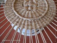 Поделка изделие Плетение Домики для лука с подробностями Трубочки бумажные фото 3