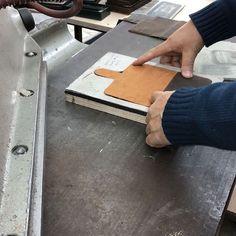 #saracleather #leather #leathercraft #genuineleather #craftmanship #leathergoods #handmade #apple #samsung #iphone #iphonecase #applewatchband #applewatchstrap #fashion #instafashion #trend #style #luxury #picoftheday #instadaily #instagood #beautiful #followme #follow #photooftheday #instamood #desginer #bestoftheday
