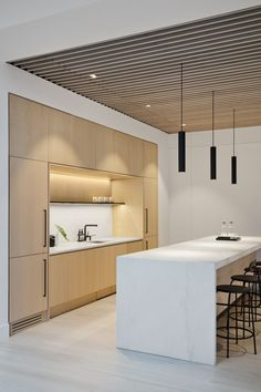 Indian Home Decor Fogarty Finger revamps New York office with glass and cosy wood.Indian Home Decor Fogarty Finger revamps New York office with glass and cosy wood Corporate Office Design, Modern Office Design, Corporate Interiors, Office Interior Design, Modern Kitchen Design, Office Interiors, Corporate Offices, Bureau Design, Workspace Design