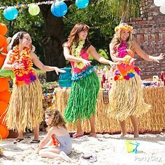 Gotta HULA! Tons of luau inspiration & pool party ideas in these photo galleries.