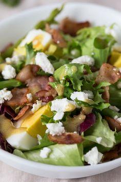 Spargelsalat mit Ei, Speck und Feta Cobb Salad, Feta, Good Food, Food And Drink, Low Carb, Lunch, Breakfast, Ethnic Recipes, Salads