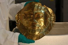 A reproduction of the Mask of Agamemnon at the Field Museum. (Chloe Riley) Mycenaean, Minoan, S Williams, Field Museum, Trojan War, Charles Darwin, Alexander The Great, Some Girls, Photo Archive