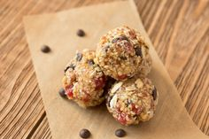 Looking for a low FODMAP pick me up? Try these delicious energy balls for the perfect school lunchbox treat, post workout snack or afternoon...