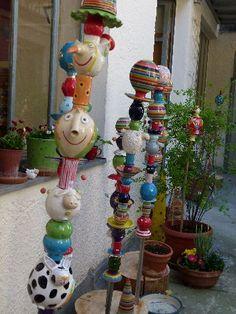 Gabi Winterl Keramik, Gartenstäbe, Keramik, Ton, bunt, Tier, Kugeln