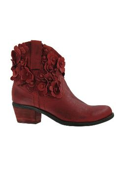 Fashion Forward Footwear - Beyond the Rack Floral Boots, Pretty Shoes, Beautiful Shoes, All About Shoes, Women's Boots, Shoe Boots, Floral Style, Sock Shoes, Me Too Shoes