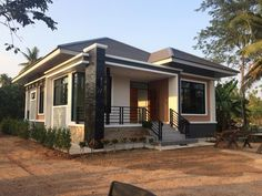 10 Best House Design for Three-Bedroom Homes With Floor Plans Simple Bungalow House Designs, Bungalow Style House, Bungalow Haus Design, Best Modern House Design, Simple House Design, House Front Design, Cool House Designs, Simple House Exterior, Modern Bungalow Exterior