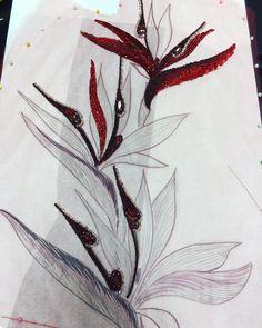 Понедельник начался с нового срочного заказа! Такой #цветок вышивали на #бархатныйпиджак из #красной коллекции! Показать этапы вышивки? Интересно? #вышивка #ручнаяработа #ручнаявышивка #вышивканазаказ #бисер #вышивкабисером #красныйцветок #красныйцвет #embroidery #embroidereddress #fasion #couture #люблюсвоюработу