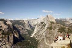 En los miradores había mucha gente, las vistas de Yosemite son muy bonitas