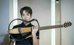 The Official Dooley/YongShin Couple Thread (Jung Yong Hwa & Park Shin Hye) Cnblue, High Definition Pictures, Jung Yong Hwa, Park Shin Hye, Kpop, Concert Hall, Your Voice, Day6, Playing Guitar
