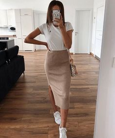 80 Cool And Stylish Summer Outfits With Skirts For Teens Stylish Summer Outfits, Cute Casual Outfits, Stylish Outfits, Spring Outfits, Casual Chic, Look Fashion, Korean Fashion, 70s Fashion, Fashion Mask