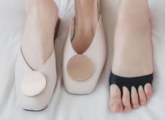 HIGH QUALITY:Gel Sleeves are made of extra stretchy and high-quality material for best comfort and optimal cushioning of your forefoot reducing pain and letting you walk freely. BETTER CUSHIONING:Forefoot Cushion Pads eliminate burning feet and bruises on the balls of the foot by distributing body weight over the extra soft footpad gel pads decreasing the pressure impact. PRACTICAL AND COMPACT:Innovative, flexible, and durable Fabric foot Cushions are good for any type of shoes both for women Morton's Neuroma, Foot Pain Relief, Invisible Socks, Diaper Clutch, Soft Feet, Bunion, Toe Socks, Foot Pads, Women's Feet