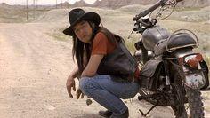 Graham Greene as the native lawman in Thunderheart. He is wonderful. Native American Actors, Native American Pictures, Native American Beauty, Native American Indians, Native Americans, American Life, Native Son, Native Indian, Graham Greene