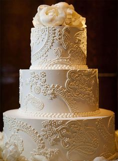 vintage lace inspired wedding cake