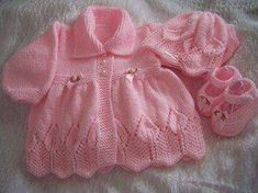 This Pin was discovered by nez Baby Cardigan Knitting Pattern Free, Kids Knitting Patterns, Knitted Baby Cardigan, Knit Baby Sweaters, Knitting For Kids, Knitting Designs, Baby Patterns, Baby Knits, Knit Baby Dress