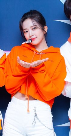 Zhangjiajie, Yu Jin, My Sister, Classy Outfits, Ruffle Blouse, Kpop, Celebrities, Womens Fashion, Style
