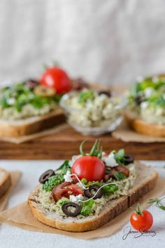 Bruschetta, Stylists, Ethnic Recipes, Food, Fotografia, Essen, Meals, Yemek, Eten