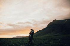 Рассказывая вам о любимых фотографах, мы нечасто делимся свадебными мастерами. А ведь лавстори — это всегда самые искренние и тёплые снимки, которые тоже могут быть очень художественными! India Earl — фотограф из штатаЮта, которая снимает свадьбы, годовщины, помолвки и просто влюблённые пары. Она очень трепетно относится к любви и всегда старается передать искренние эмоции на...