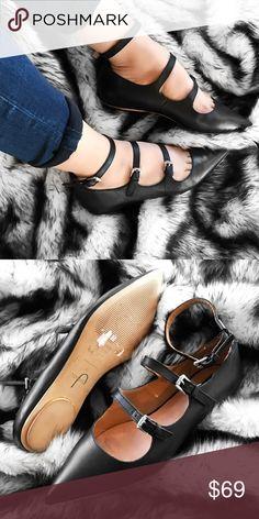 Spotted while shopping on Poshmark: Topshop black leather flats! #poshmark #fashion #shopping #style #Topshop #Shoes