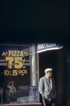 Saul Leiter Pizza, Patterson 1952