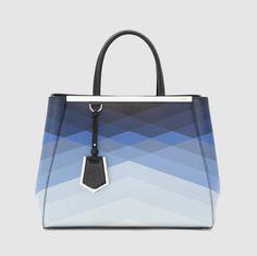 Pattern Medium Tote Bag by Fendi Fendi 2jours, Look 2015, Sacs Design, Moda Casual, Medium Tote, New Bag, Beautiful Bags, Handbag Accessories, Fashion Bags