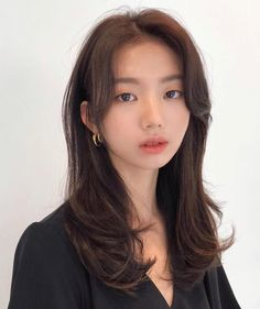 Haircuts Straight Hair, Long Hair Cuts, Hairstyles With Bangs, Medium Permed Hairstyles, Korean Hairstyles Women, Korean Long Hair, Korean Hair Color, Korean Medium Hair, Hair Medium